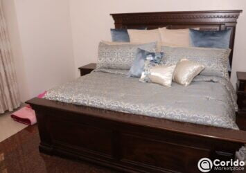 6x6 King Size Antuque Bed, Mattress, Side Drawers& Dresser