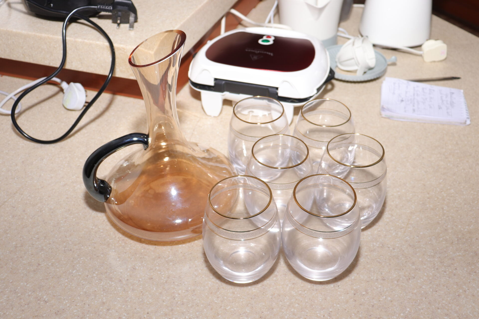New Style Electroplate Gold Color Bright Material Clear Glass Fancy Wine Decanter