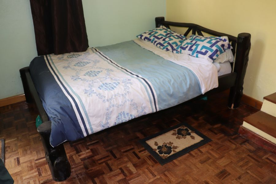 5 x 6 African styled bed